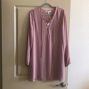 Beautiful mauve bcbg dress